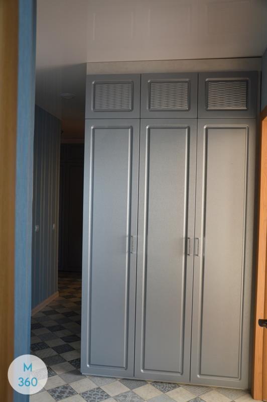 Распашной глянцевый шкаф Эко Арт 005895409
